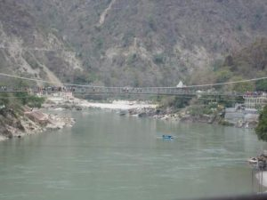 rishikesh view from Lakhsman Jhula